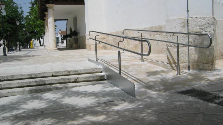 Accesibilidad del entorno de la Iglesia en Titulcia