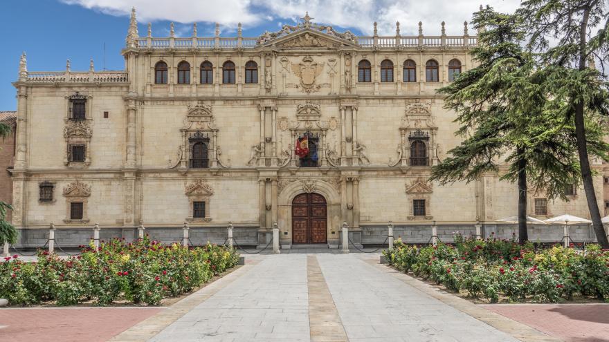 Fachada plateresca de la Universidad de Alcalá (Gil de Hontañón, 1543)