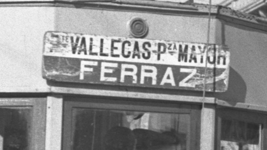 Fotografía Madrid antiguo tranvía blanco y negro