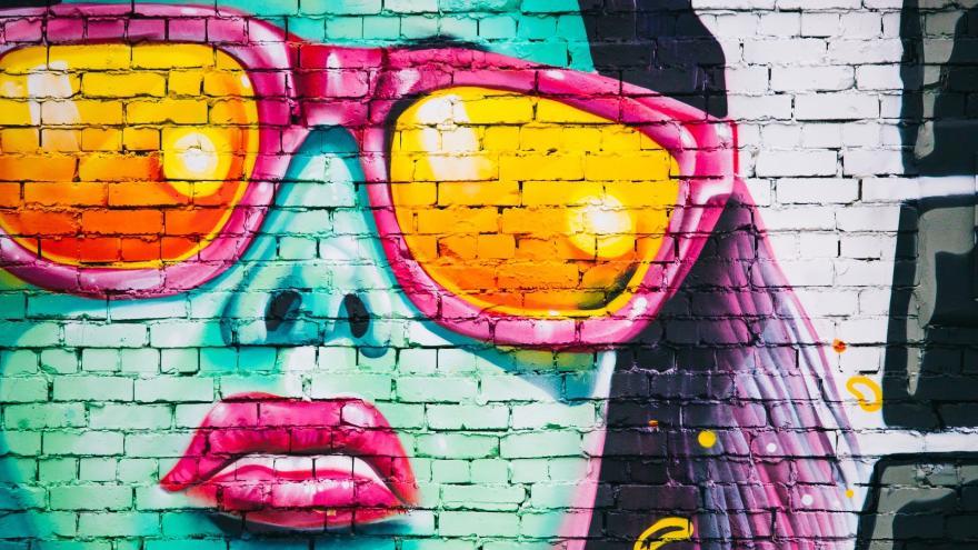 Graffiti de cara de chica