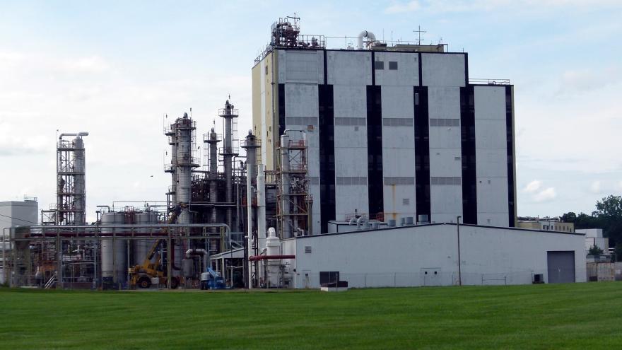 Industria con emisiones de gases efecto invernadero