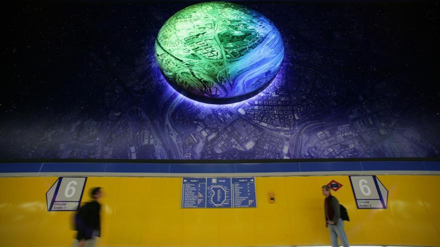 Mural compuesto por varios planetas