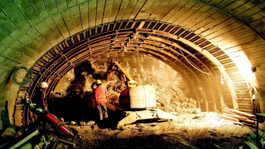 Ejecución de excavación con bóveda hormigonada del método tradicional de Madrid