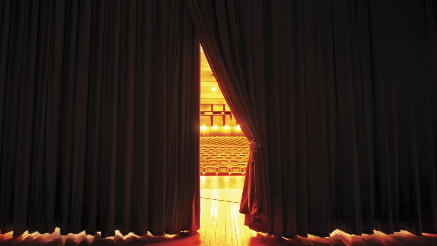 Cortinas del teatro abriendose