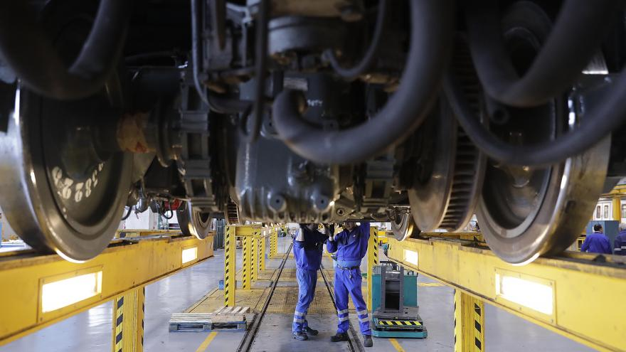 Gonzalo visita los talleres de Metro para presentar los primeros resultados del Plan Óptima de mantenimiento de trenes
