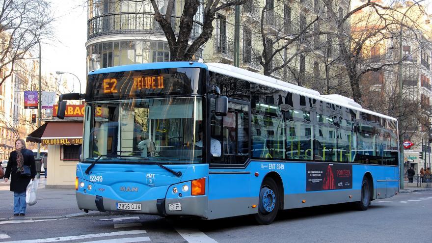 Autobús de la línea E3 de EMT en la zona de Felipe II