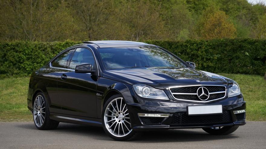 Coche Mercedes Negro