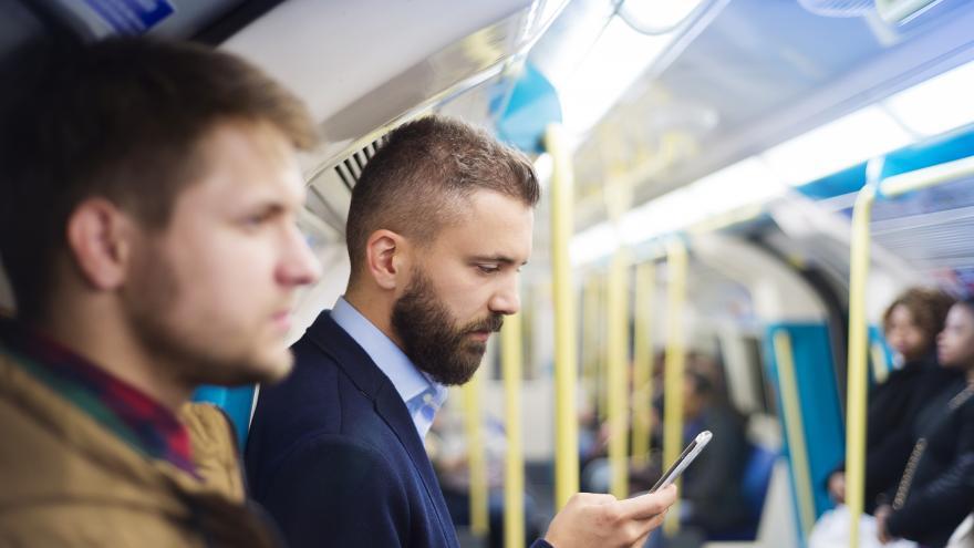 Avisos limpieza en interior vagones Metro de Madrid