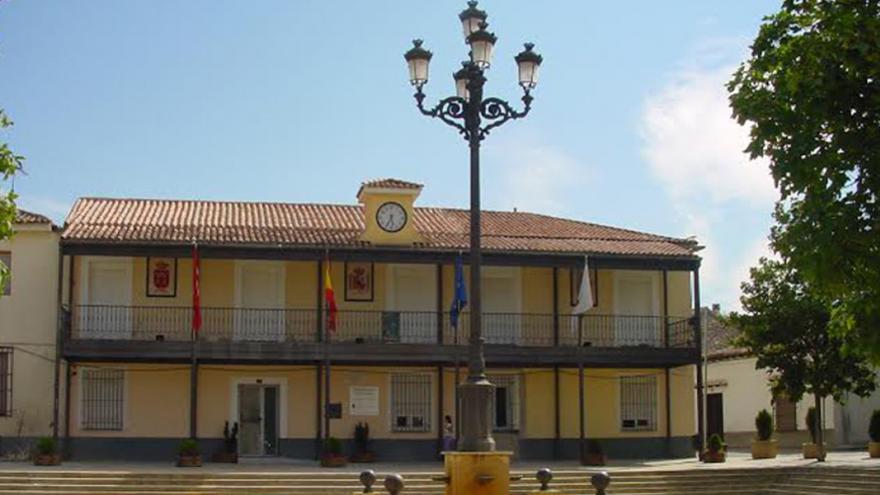 La Comunidad inaugura la Plaza de Cervantes de Daganzo, realizada con fondos PIR