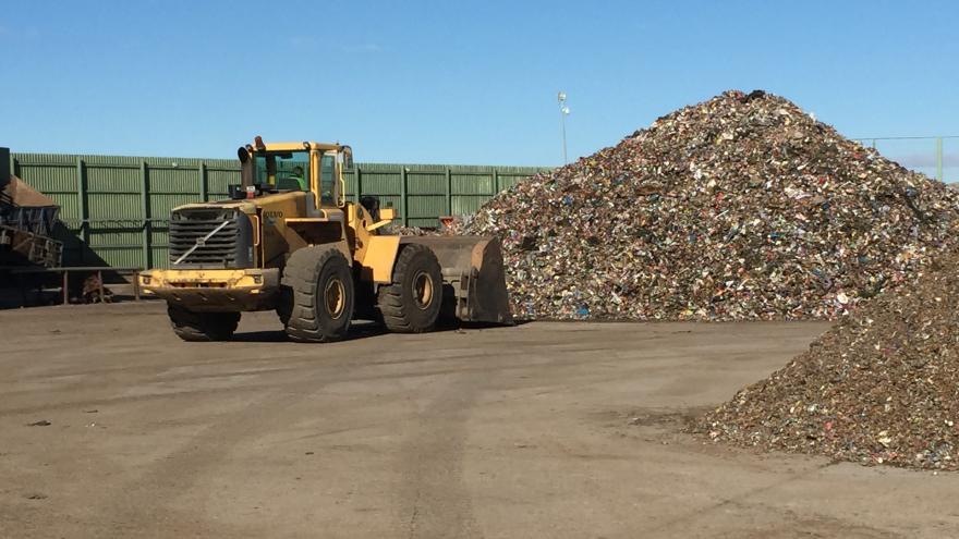 La Comunidad costeará el 100 % de la recogida de residuos a municipios de hasta mil habitantes