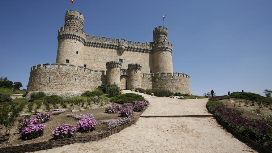 Una vista del castillo de Manzanares El Real