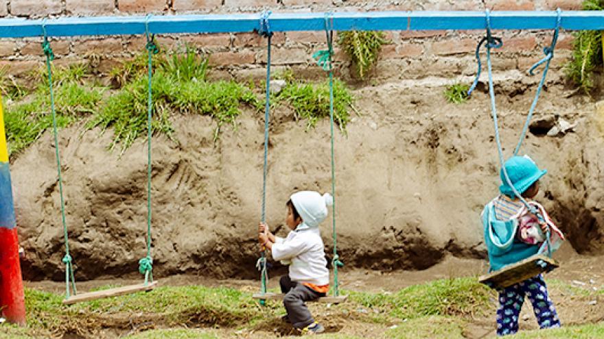 niños jugando. Ecuador