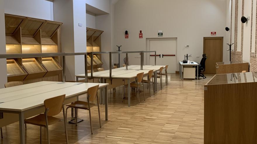 Una vista de la biblioteca Carriquiri en Las Ventas