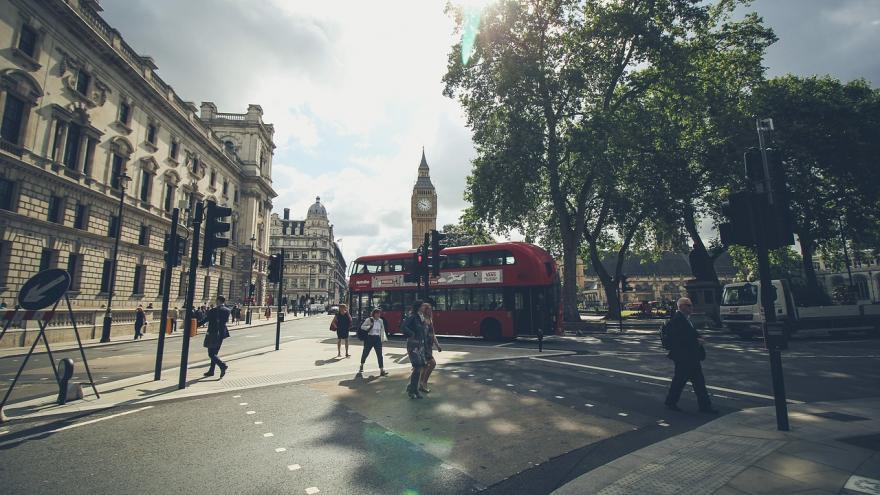 Imagen de autobús en una calle de Londres