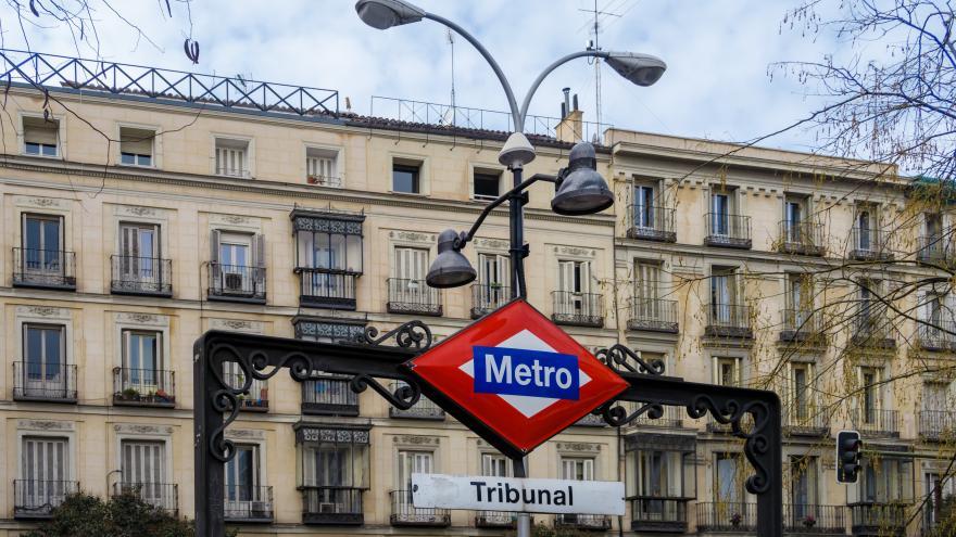 Estación de Metro de Tribunal