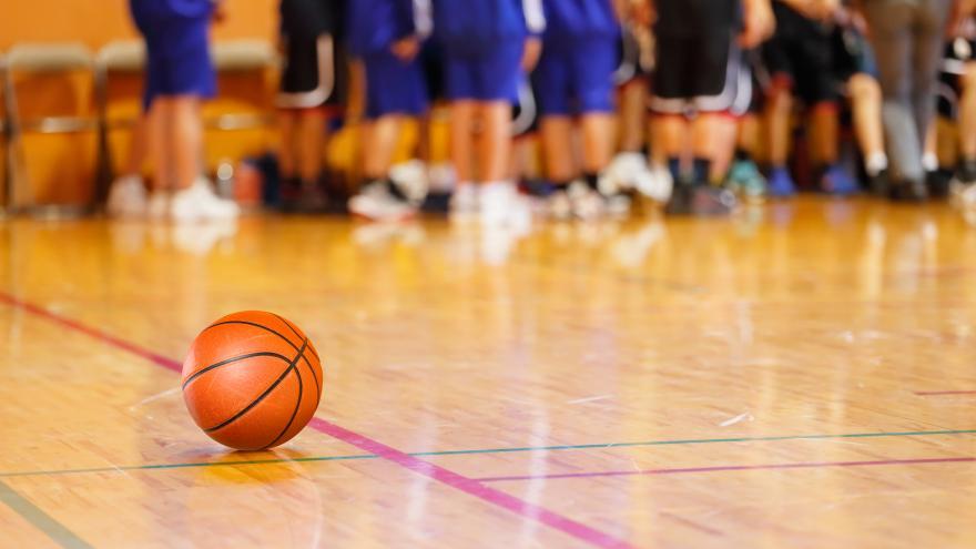 Niños baloncesto