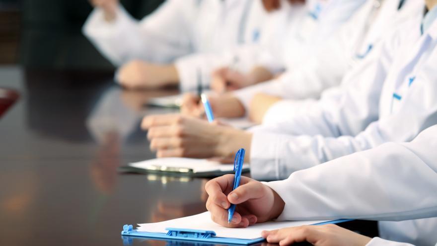 La Comunidad de Madrid inicia los exámenes de la OPE histórica sanitaria, con 13.322 plazas