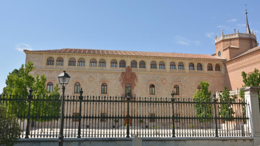 Fachada del Palacio Arzobispal de Alcalá de Henares