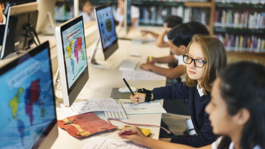 Adquirimos nuevos ordenadores para uso educativo