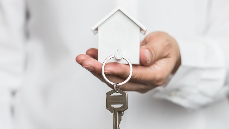 La Comunidad comprará 158 viviendas para realojar a los habitantes de los poblados chabolistas de la región