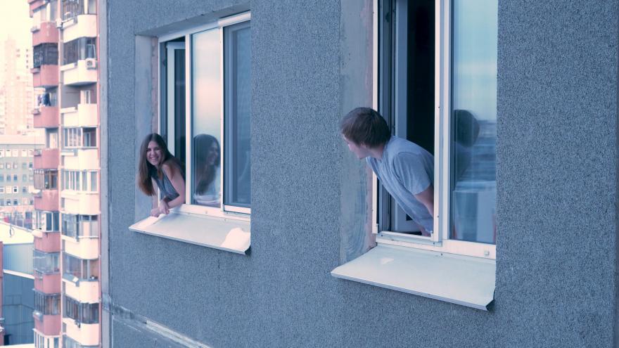 Programamos nuevas actividades lúdicas para mejorar la convivencia entre los inquilinos de las viviendas sociales