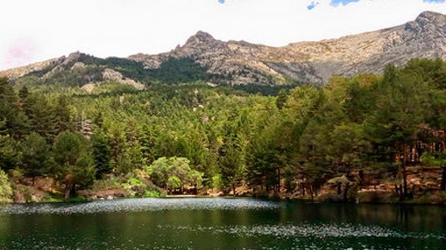 Agua y montaña