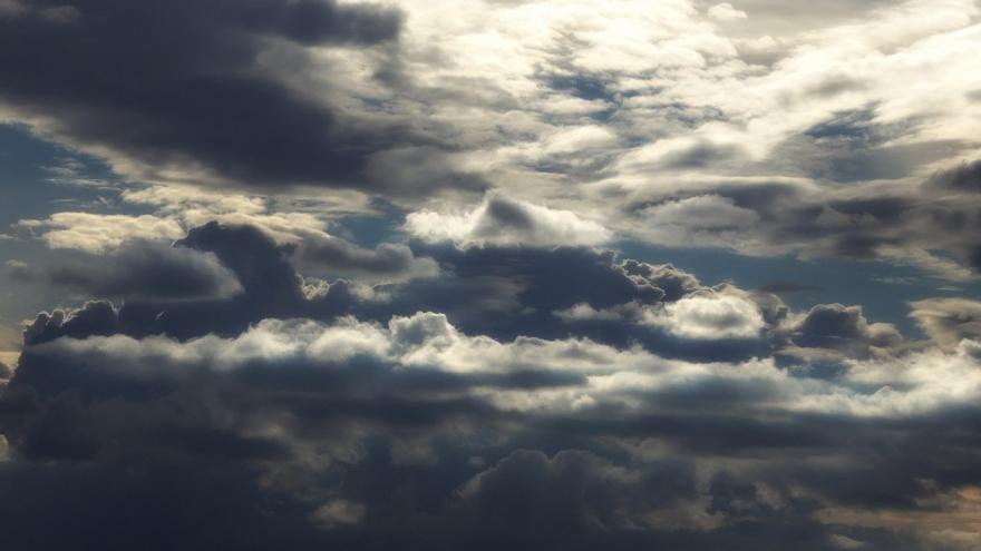 Imagen cielo azul