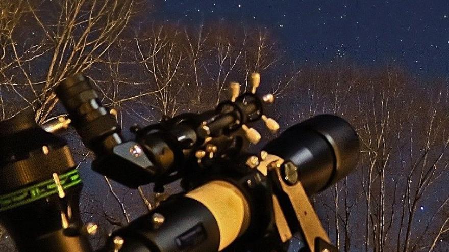 Telescopio cielo estrellas