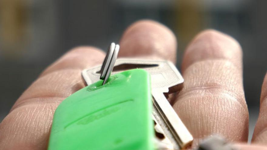Manos y llaves