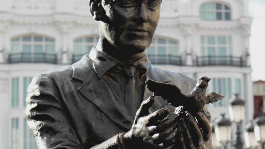 Estatua a Lorca
