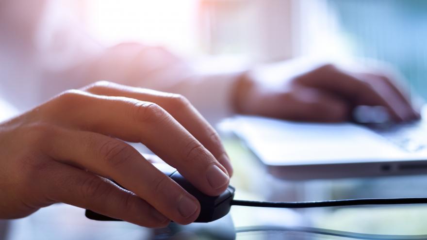 Casi un millón de madrileños se benefician ya de la web de convivencia escolar de la Comunidad