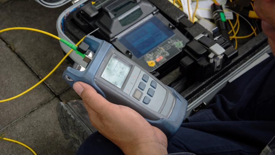 Instalación de fibra óptica contra el despoblamiento en los municipios rurales