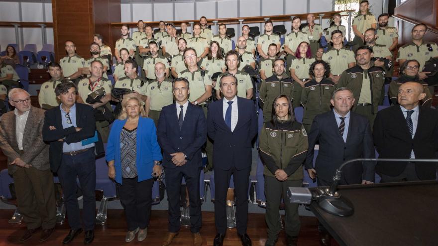 Imagen de Enrique López en la toma de posesión de los 38 nuevos Agentes Forestales