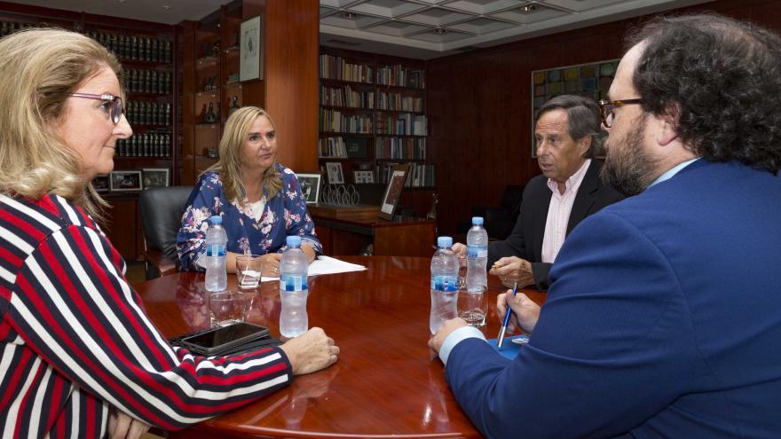 Gonzalo se reúne con el alcalde de Alcobendas para reafirmar el compromiso del Gobierno regional con esta infraestructura