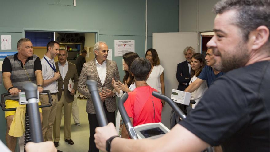 Imagen de Enrique Ruiz Escudero en la Unidad de Rehabilitación Cardiaca del Servicio de Cardiología del Hospital Gregorio Marañón