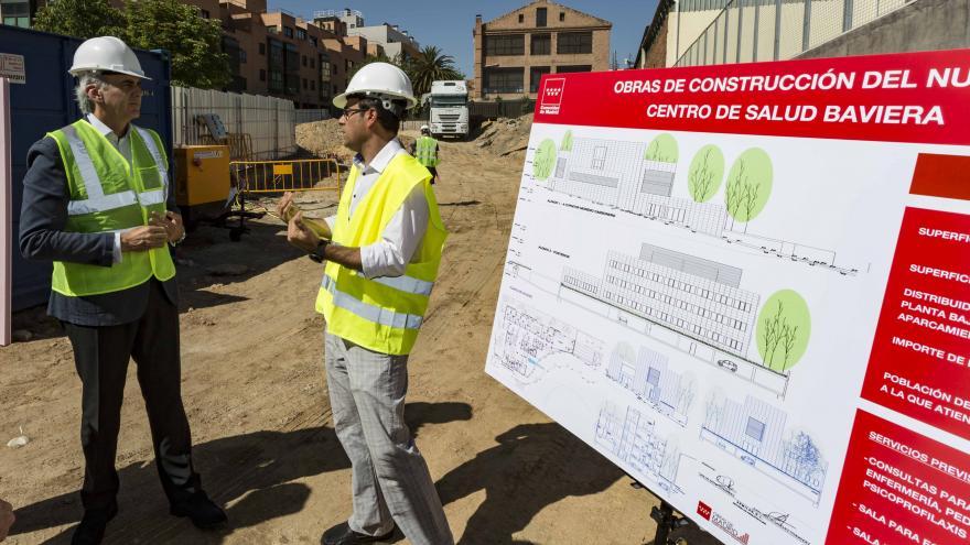 Ruiz Escudero ha visitado las obras del futuro centro de salud Baviera, que dispondrá de sala de ecógrafos y de salud bucodental