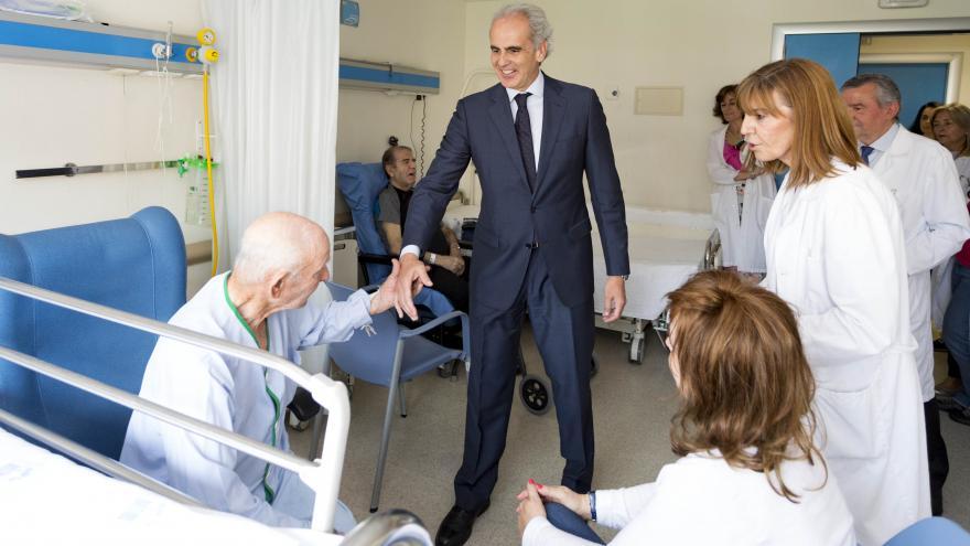 El consejero de Sanidad ha visitado hoy este centro sanitario de la Comunidad de Madrid, que celebra su centenario