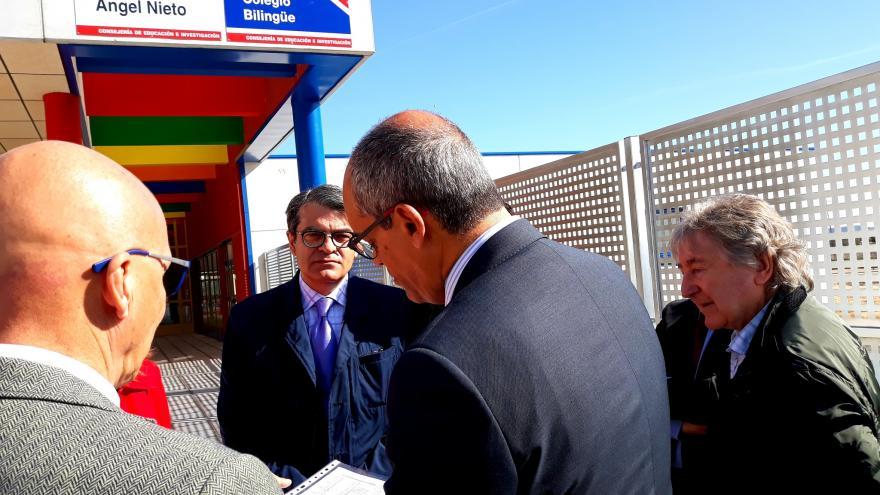 Rafael van Grieken en su visita a las obras del nuevo colegio Ángel Nieto