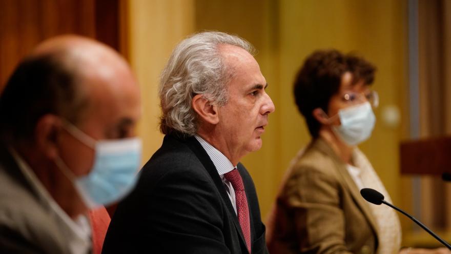 Antonio Zapatero, Enrique Ruiz Escudero y Elena Andradas durante la rueda de prensa