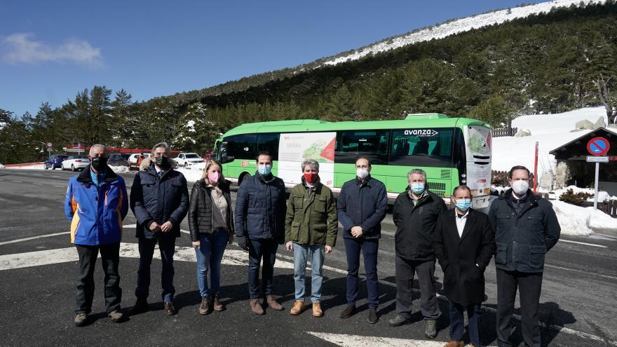 Ignacio Aguado y Ángel Garrido presentan un autobús lanzadera a Cotos y Valdesquí
