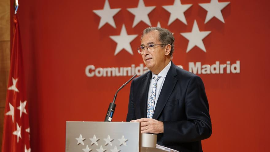 El consejero de Educación y Juventud, Enrique Ossorio, en rueda de prensa