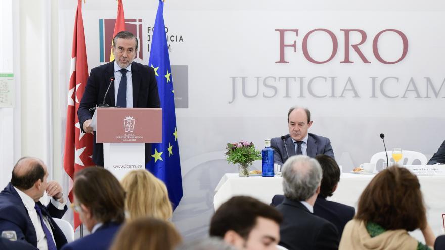 Enrique López durante su intervención en el Foro Justicia ICAM