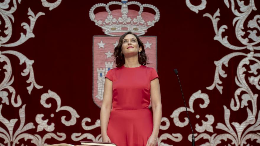 Imagen de la presidenta de la Comunidad de Madrid, Isabel Díaz Ayuso, durante la toma de posesión