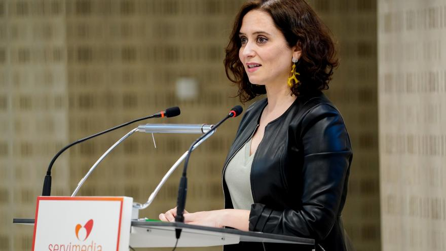 La presidenta ha inaugurado hoy la mesa redonda Retos para la mujer en el siglo XXI