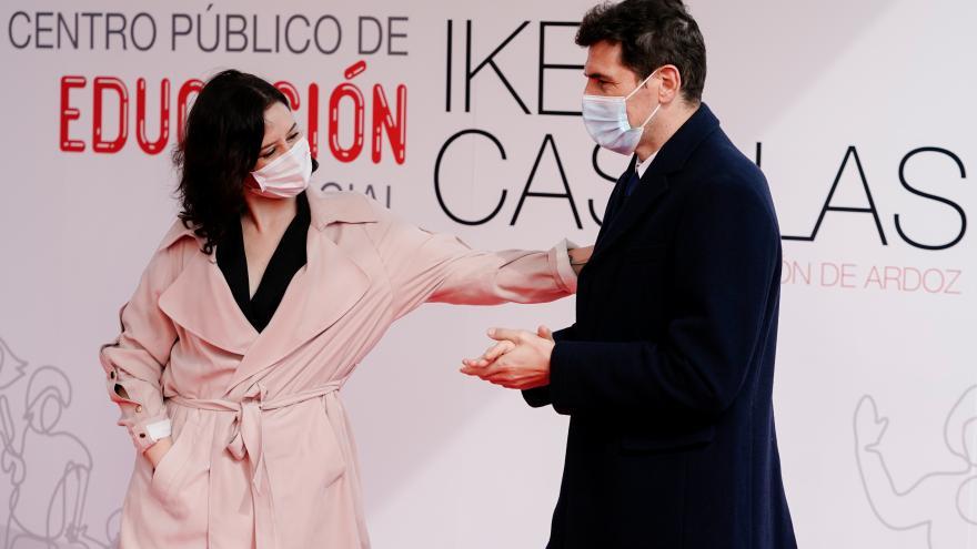 Díaz Ayuso presenta con Iker Casillas el futuro centro público
