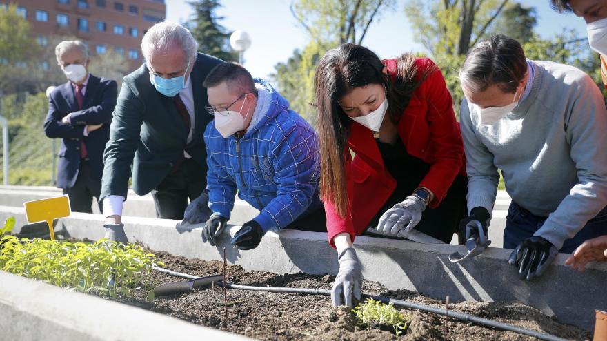 Ruiz Escudero visita el Centro Tres Olivos con motivo del Día Mundial del Sínrome de Down