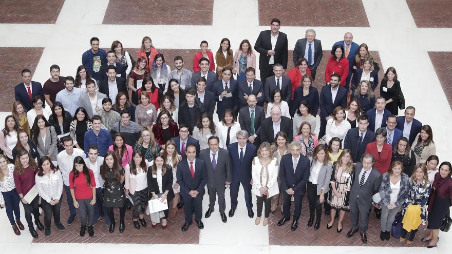 El presidente de la Comunidad de Madrid, Ángel Garrido, ha presentado hoy el programa 'Impulsando Talento', una iniciativa pionera en España y cuyo objetivo es que el talento joven madrileño desarrolle su carrera profesional en destacadas empresas o insti
