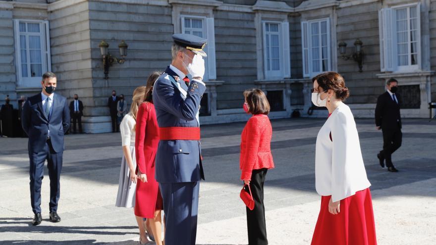 Díaz Ayuso, con Sus Majestades los Reyes en la celebración de la Fiesta Nacional