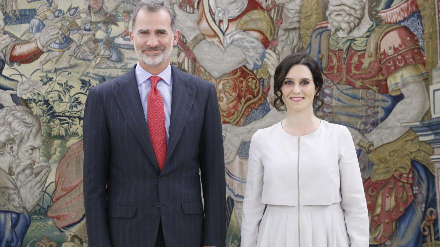 Su Majestad El Rey con Isabel Díaz Ayuso