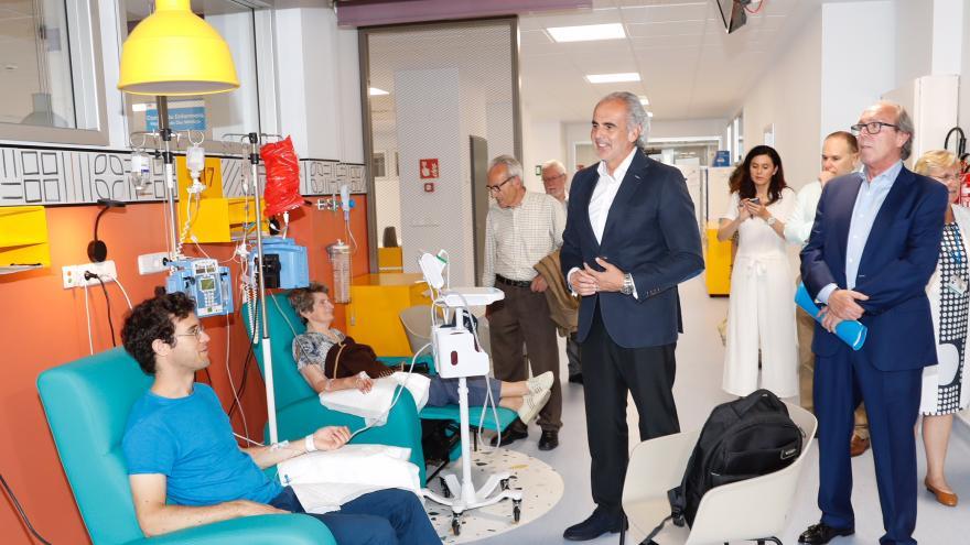 Enrique Ruiz Escudero en el nuevo Hospital de Día Médico del Ramón y Cajal